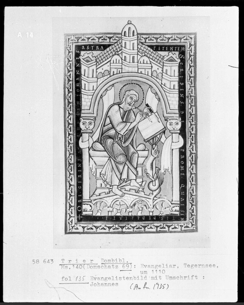 St jean Evangeliar: Evangelist Johannes, Entstehungsort: Tegernsee, um 1110, Trier, Domschatz, Inv.-Nr. Cod. 69 —